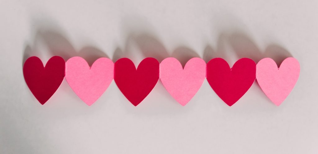A series of red and pink hearts